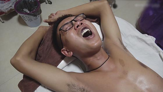 Healthy life: massage room videos: the guy feels uncomfortable in the stomach.