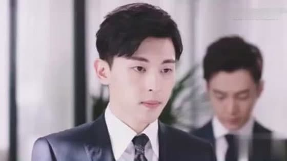 Fans welfare:Deng lun Yang zi studio comes out at the same time good news,the same couples lines