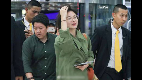 Song Hye Kyo glasses killing fans, Su Yan appeared at the airport without a star shelf