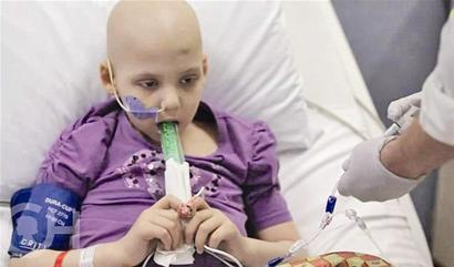 Twin babies suffer from leukemia one after another. They are used by every household. They are feeding cancer cells.