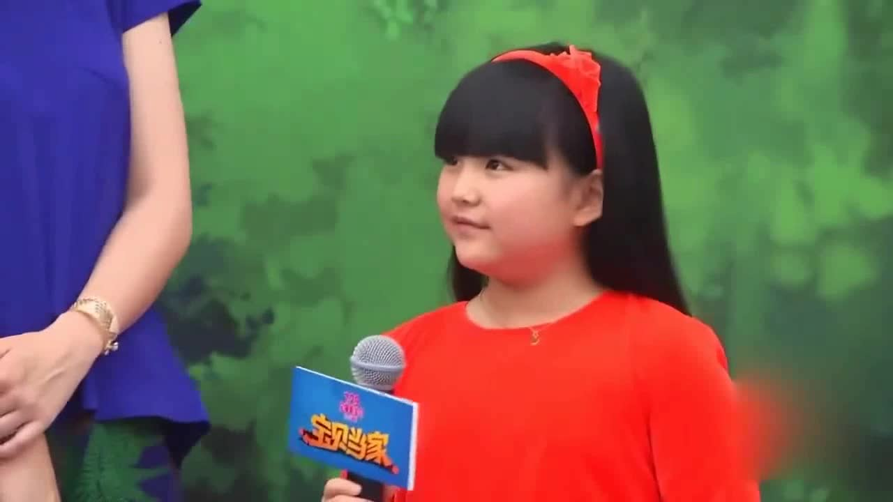 Li Xiang shares her daughter's video of singing and dancing. 10-year-old Wang Shiling is fat and dumb and sells Meng Chao.