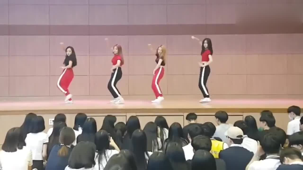 Korean high school girls jump BLACKPINK