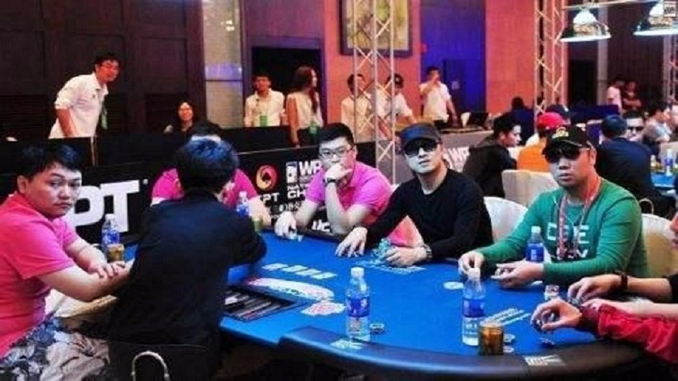 Don't know repentance? Wang Feng appeared in Macau Casino late at night. His ex-wife: The remaining 300,000 who had lost 50 million lives