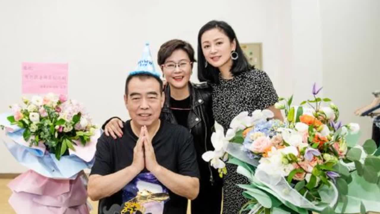 Chen Kaige's 67th birthday was celebrated by director Li Shaohong, whose title revealed their relationship.