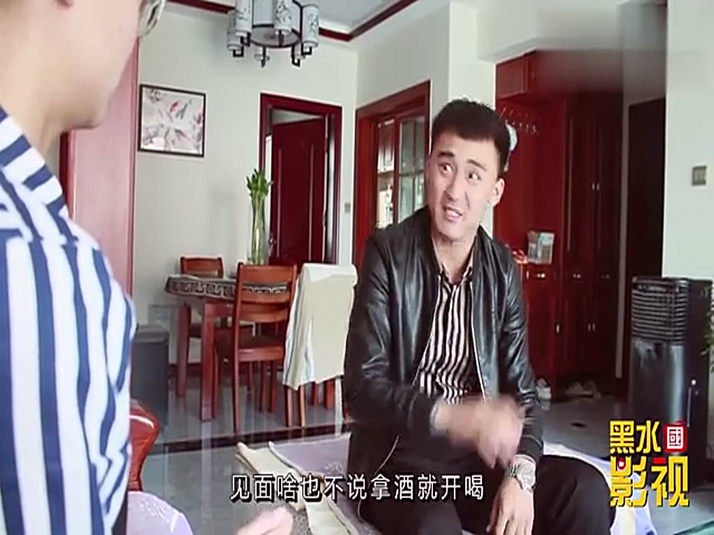 The young man was asked to go on a blind date by his sister. He came back and made up a smooth talk about the process of blind date. I admire him very much.