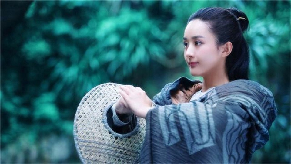 Zhao Liying was asked: Which male star do you feel most about kissing? Her hand pointed to the stage without hesitation.