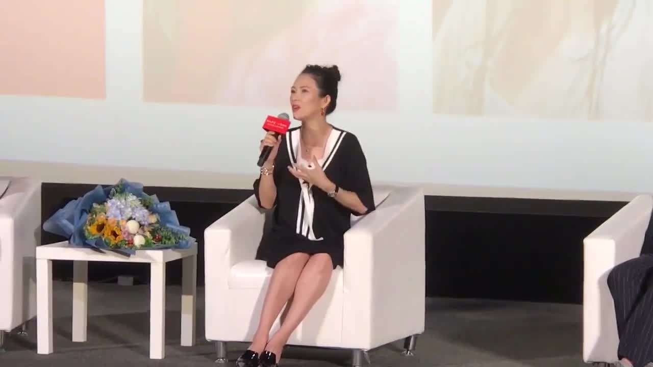 Zhang Ziyi talked about Meng Meiqi's injuries and felt pain across the screen.