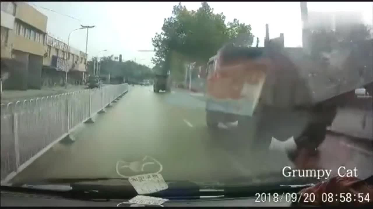 The sudden perfect drift at the junction of the truck really pinched his heart.