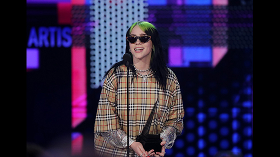 Billie Eilish Wins Favorite Artist - Alternative Rock at the 2019 AMAs HIGH